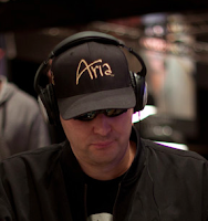 Phil Hellmuth, 2011 WSOP Event No. 40, Day 2