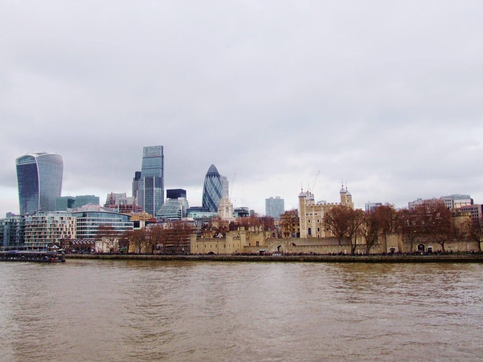 Londyńskie City i Tower of London.