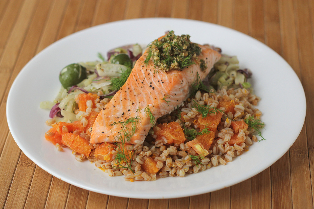 Blue apron or plated