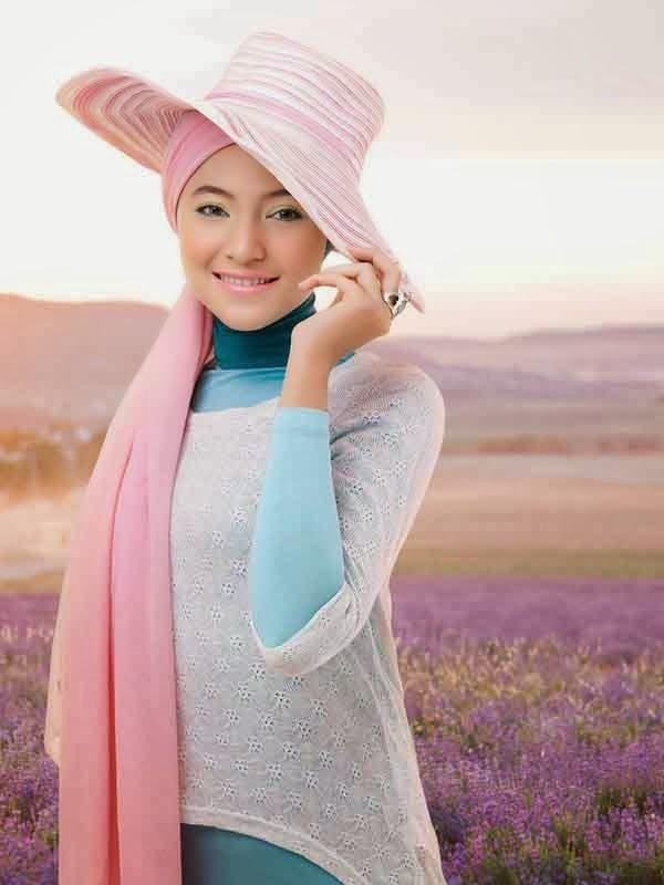 Foto Model Jilbab Cantik Jelita Artis Marshanda Terbaru 2014
