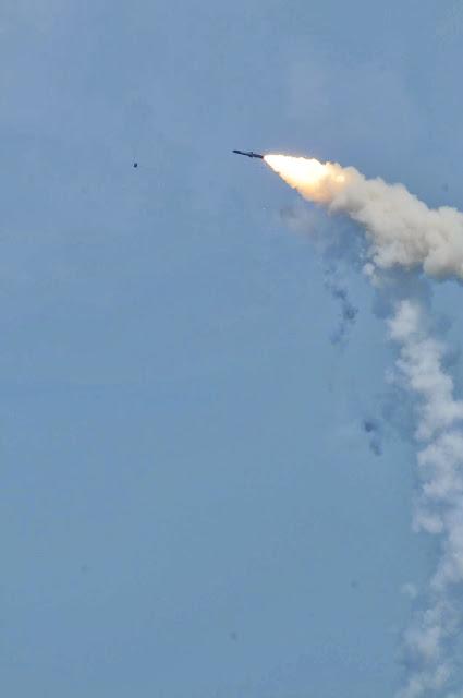Misil supersónico BrahMos de fabricación ruso-india., Noticias,fotos,videos,opiniones  - Página 2 DSC_7425-775447