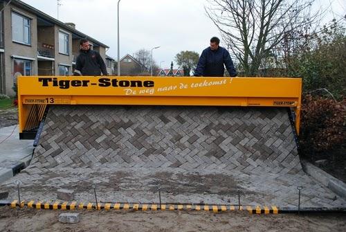 01-Tiger-Store-Super-Road-Paving-Machine-www-designstack-co