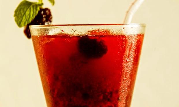 #receitadecaipirinhadesaquecomfrutasvermelhas