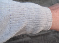 http://www.threadingmyway.com/2015/09/how-to-easily-mend-stretched-ribbing-on.html