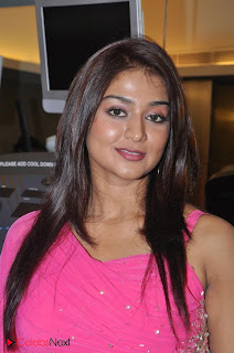 Tamil Actress Varsha Ashwathi Picture Gallery in Pink Long Dress at a Pressmeet  0016