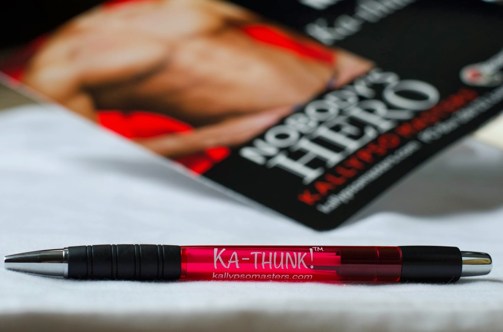 this red ka thunk pen hand fan a masters brat button and other cool