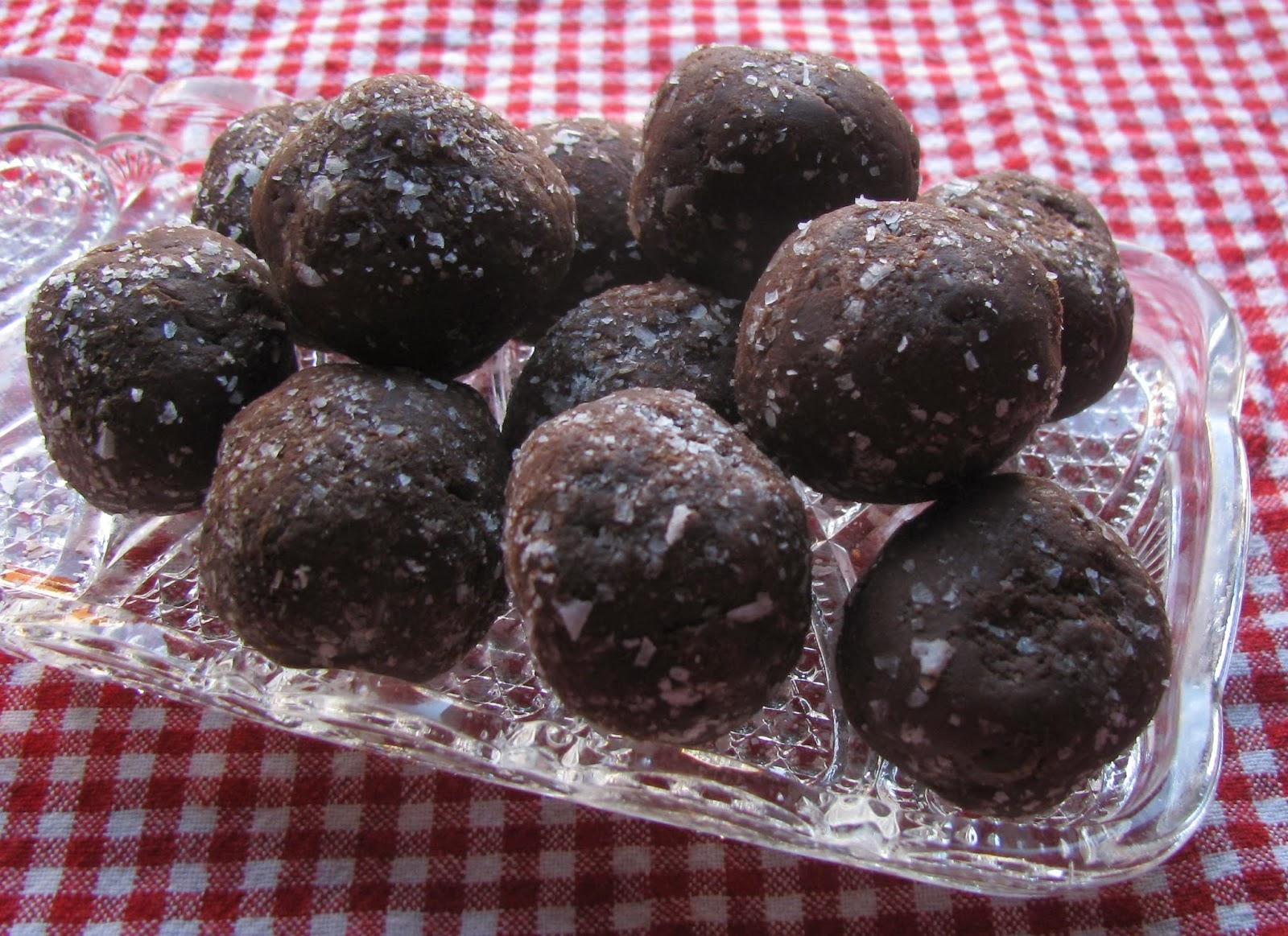 Mangerie?!: Chocolate Salty Balls