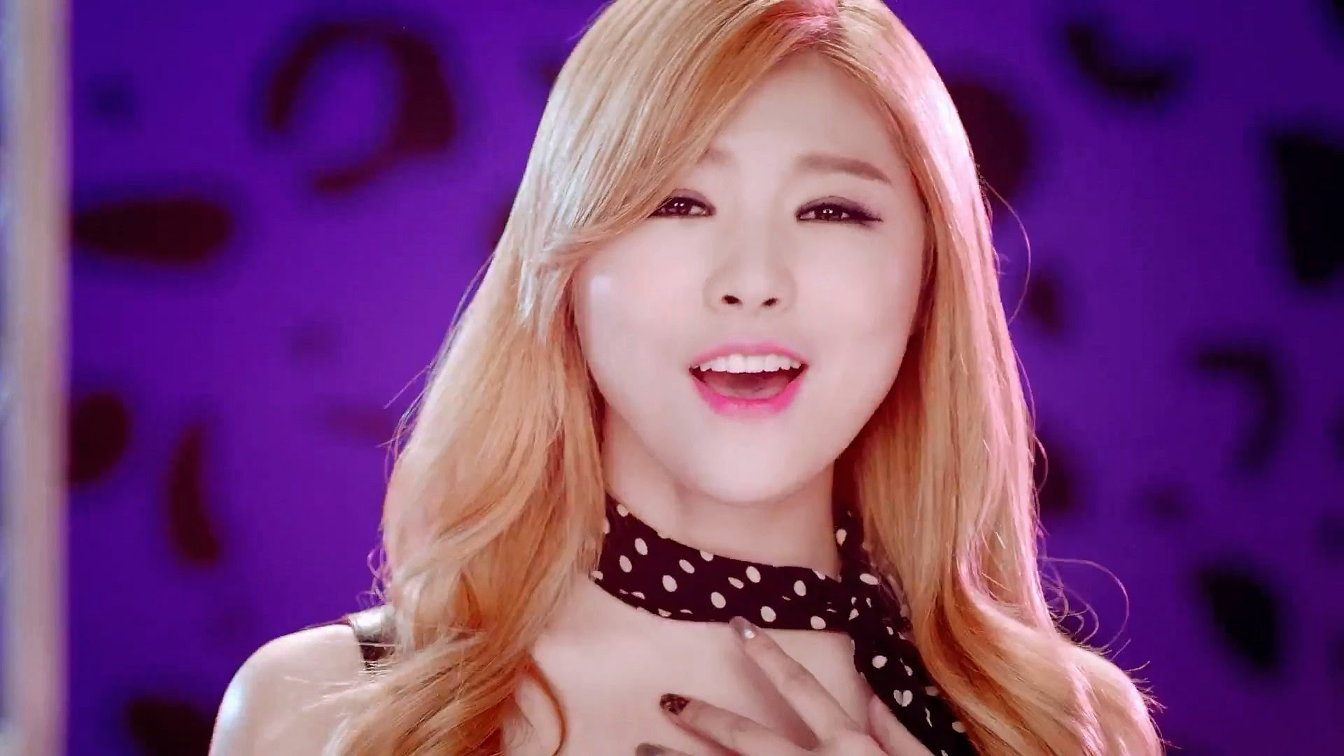 HelloVenus StickySticky Seoyoung