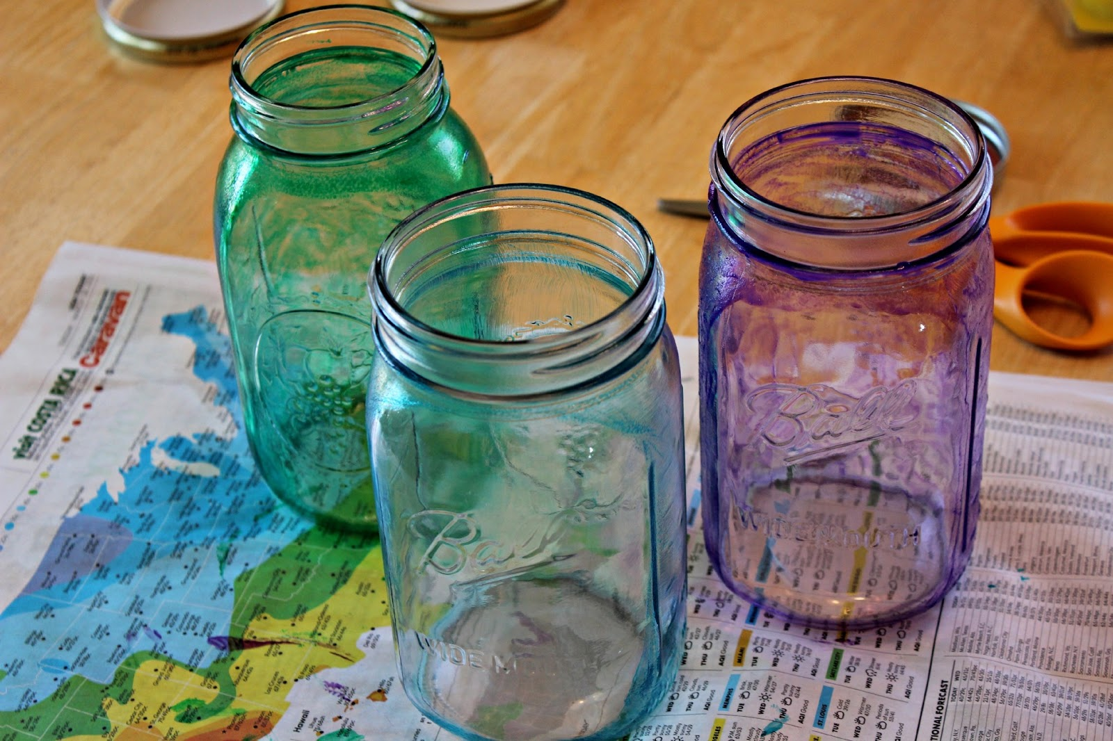 Diy mason jar easter basket habits of a modern hippie for How to stain glass jars with paint