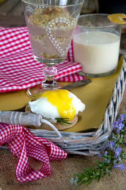 english muffins di farina di castagne, eggs benedict con lardo e rosmarino e una improbabile colazione americana ...da raccontà a vejo