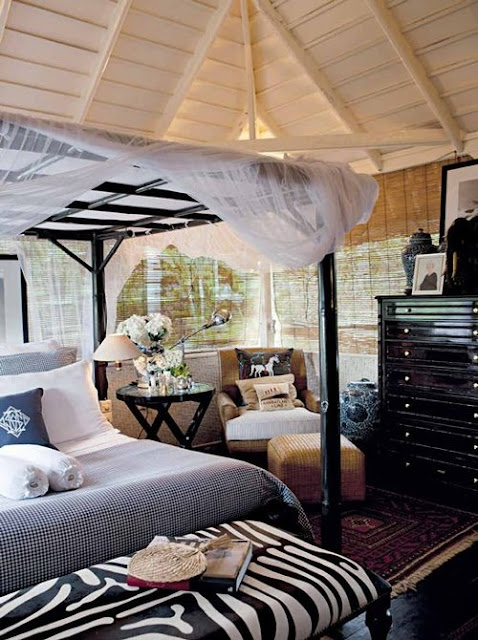 Driftwood interiors bali beauty for Plantation style bed