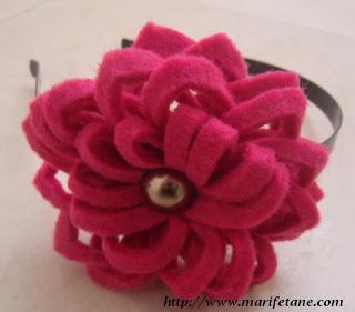 Keçe çiçekli taç