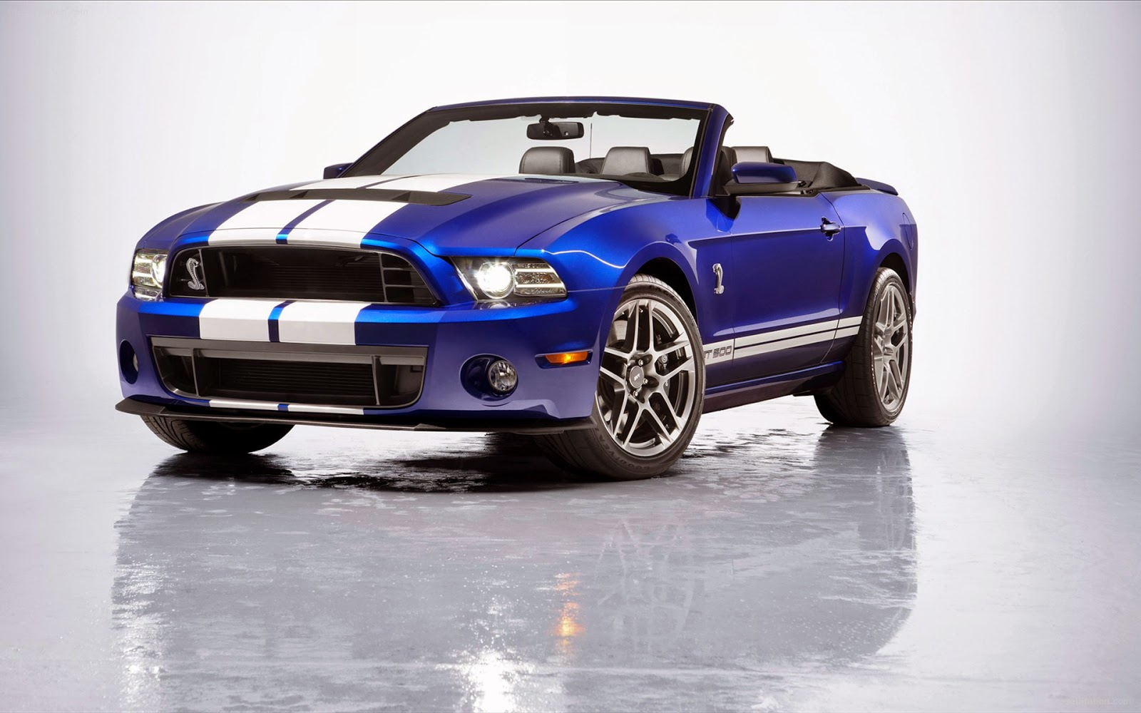 http://www.autocarsinfo.com/2014/10/2013-ford-shelby-mustang-gt500.html