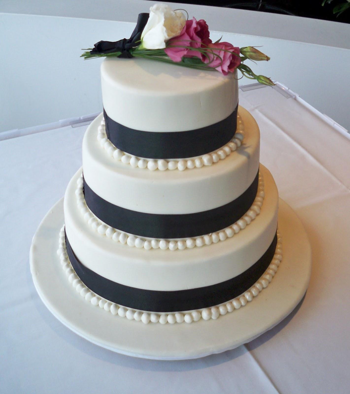 black and white 3 tier round wedding cake | Elisabeth\'s Wedding Cakes