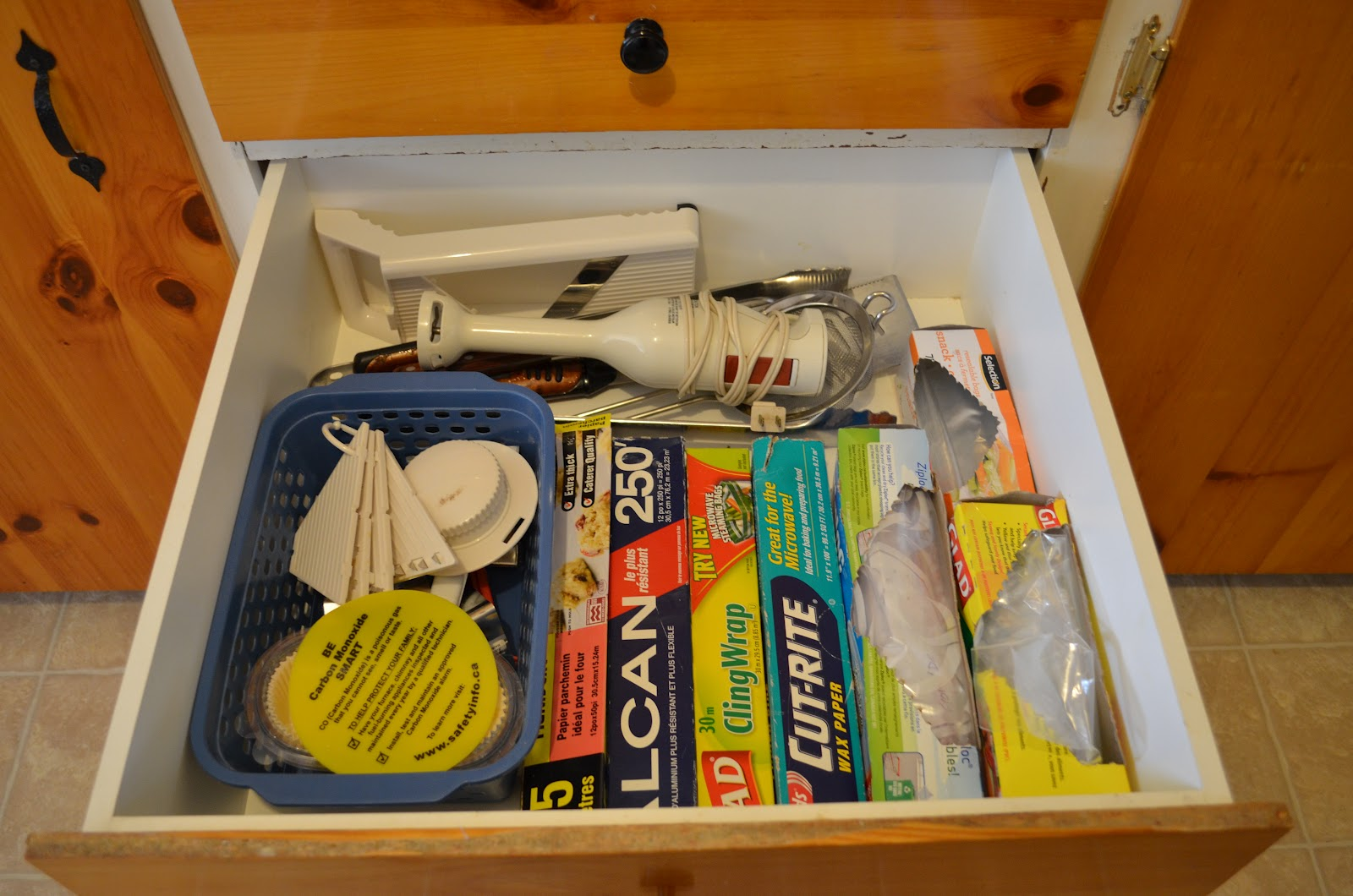 Our daily treasures simplicity challenge 2 kitchen for Kitchen junk drawer