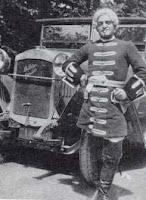 Fotografía de Luis Buñuel como figurante en la película Mauprat de Jean Epstein (1926)