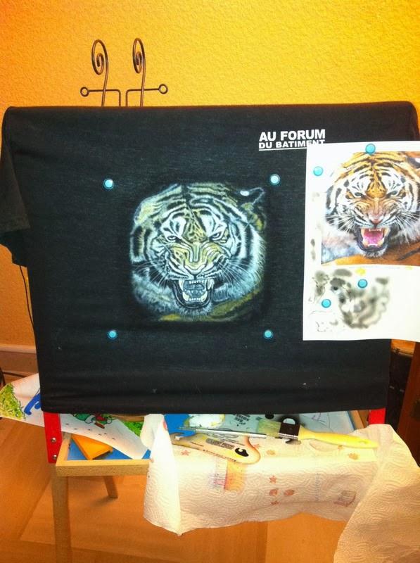 photo(6) tuto et pas a pas tigre sur teeshirt peinture aérographe