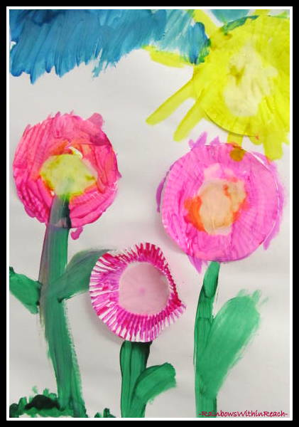 photo of: Preschool Art Project for Mother's Day at RainbowsWithinReach