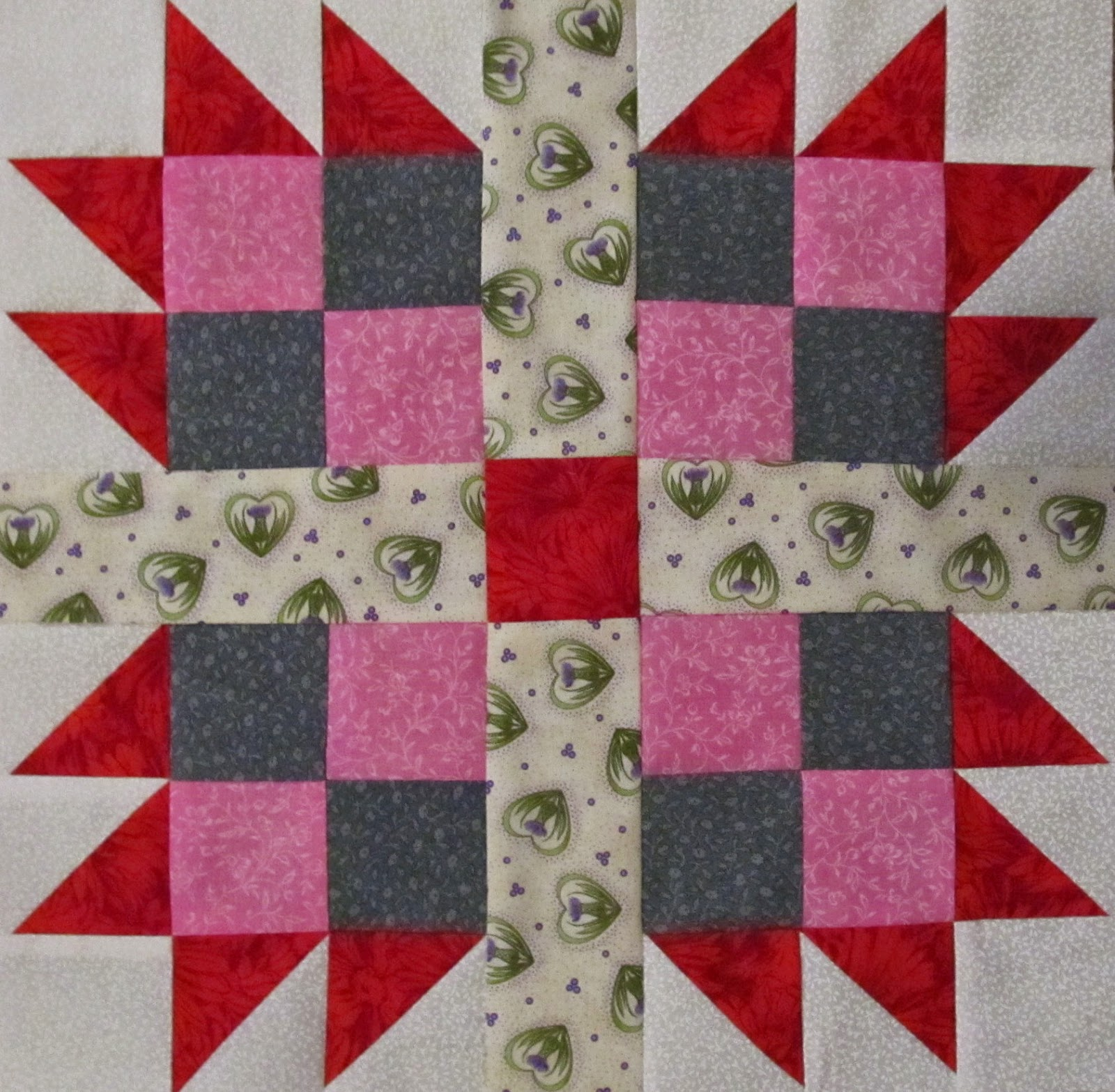 How to make a quilt pattern star, by The Quilt Ladies.