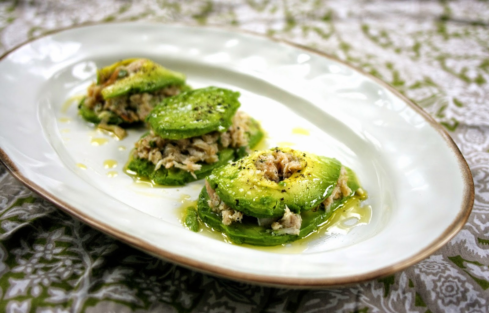 "Crab Avocado ""Ravioli"": simplelivingeating.com"
