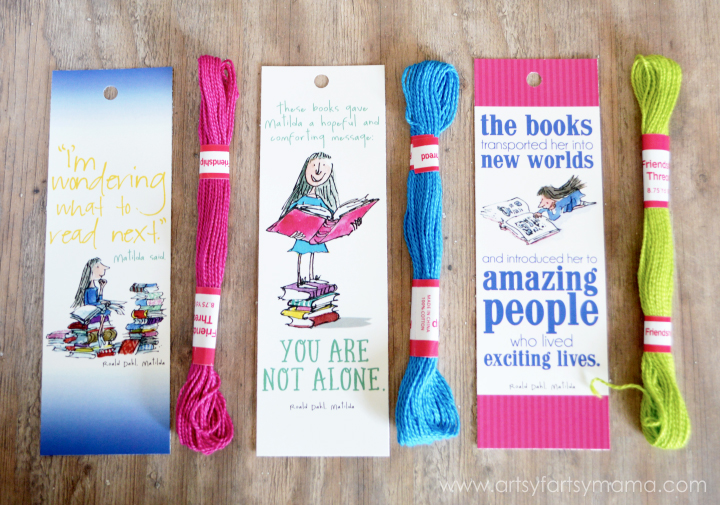 Free Printable Roald Dahl Bookmarks and DIY Mini Tassel Tutorial at artsyfartsymama.com
