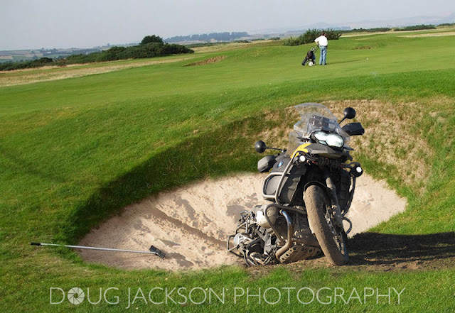 R1200GS ADVENTURE IN GOLFING BUNKER
