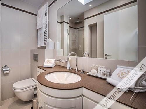 Mẫu nhà vệ sinh đẹp 10