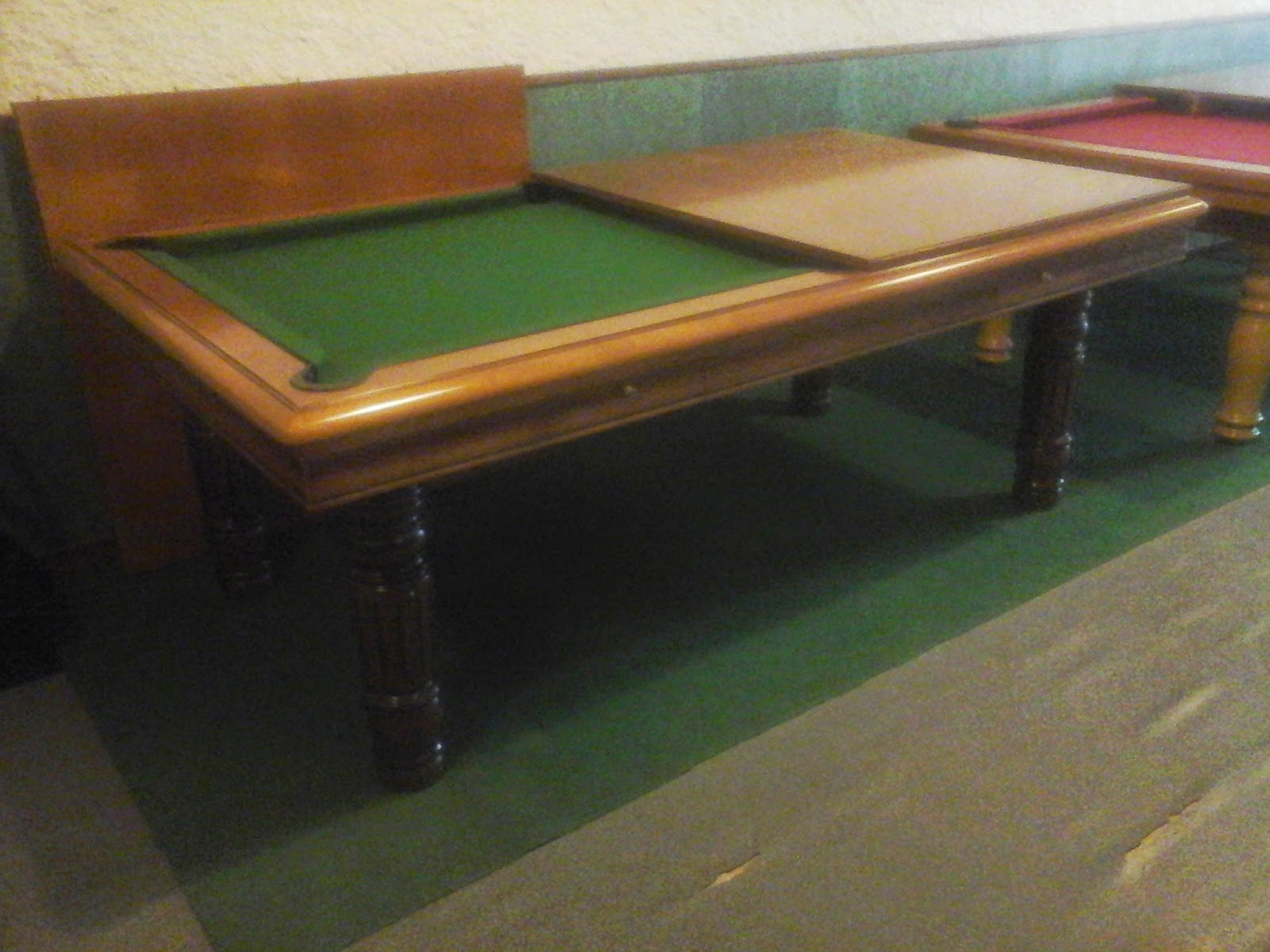 table de billard occasion table de lit a roulettes. Black Bedroom Furniture Sets. Home Design Ideas