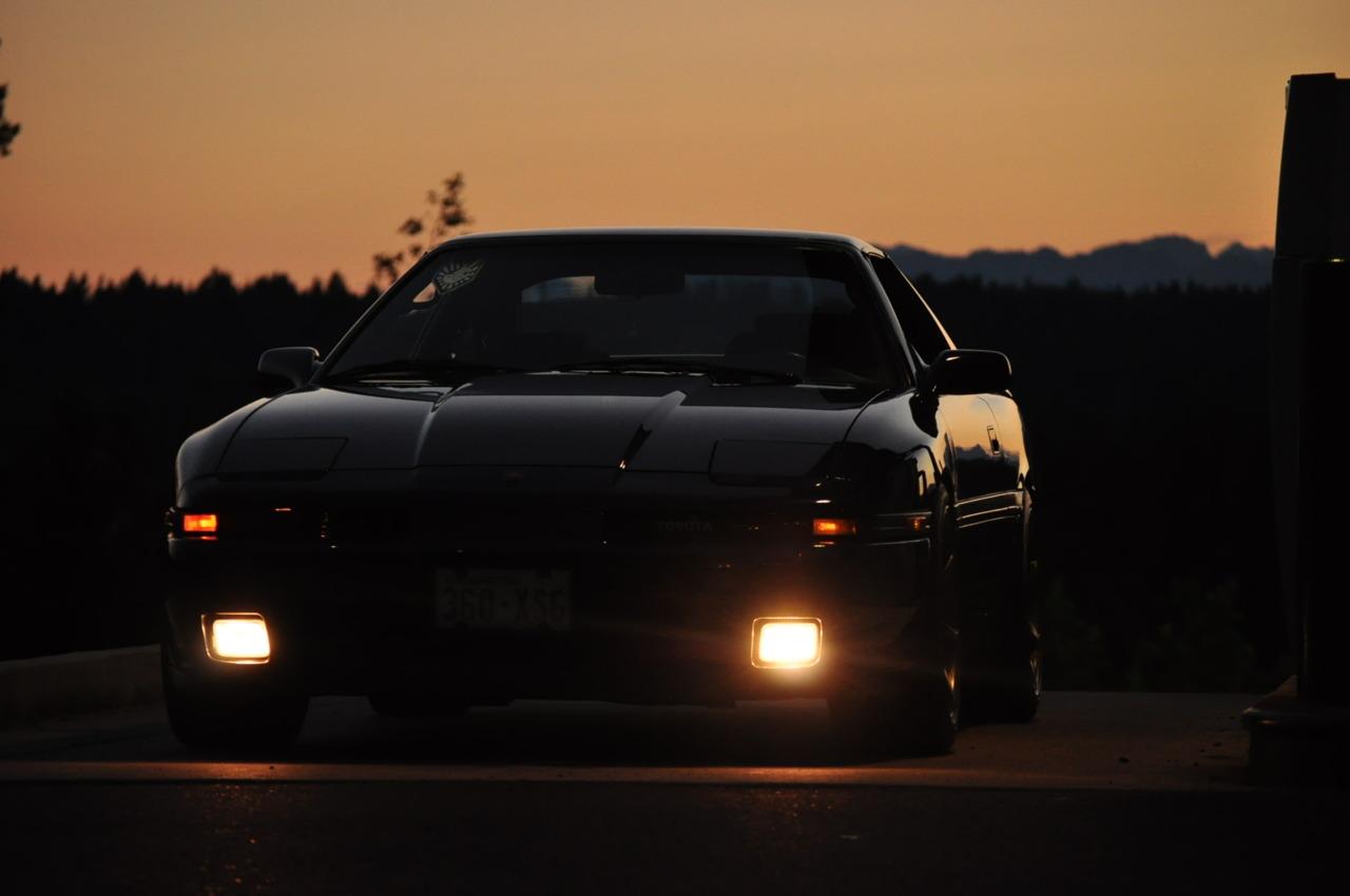 Toyota Supra MK3 A70, japoński sportowy samochód, motoryzacja, jdm, zdjęcia, fotki, photos, tuning, nocna fotografia, samochody nocą, po zmroku, auto, RWD, 1JZ