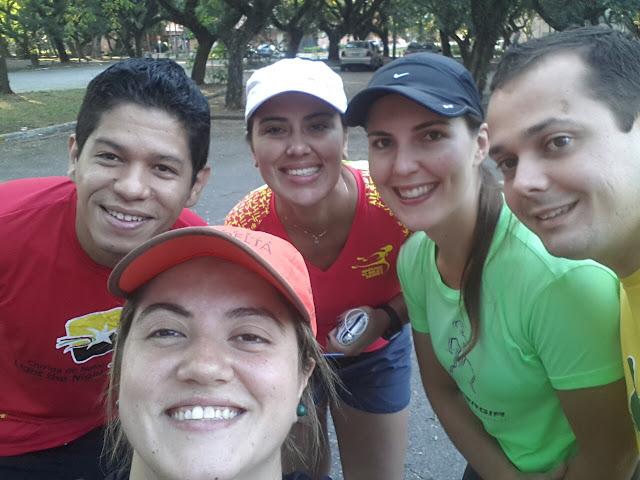 Eu, Claudia Nuzzo, Aline Mello, Angelica Bernardo e Felipe Martins na USP