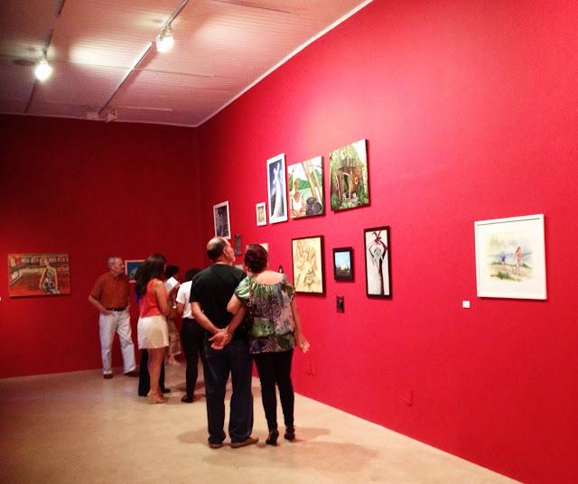 Lançamento de catálogo bilíngue reúne 102 obras de artistas capixabas