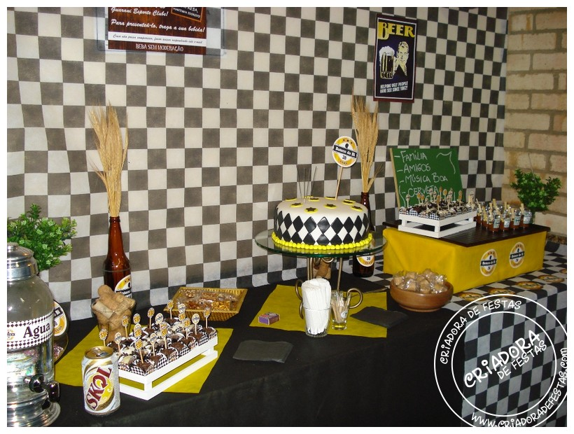 decoracao o boteco : decoracao o boteco:Para os doces, além dos brigadeiros e do bolo, copinhos com doce de