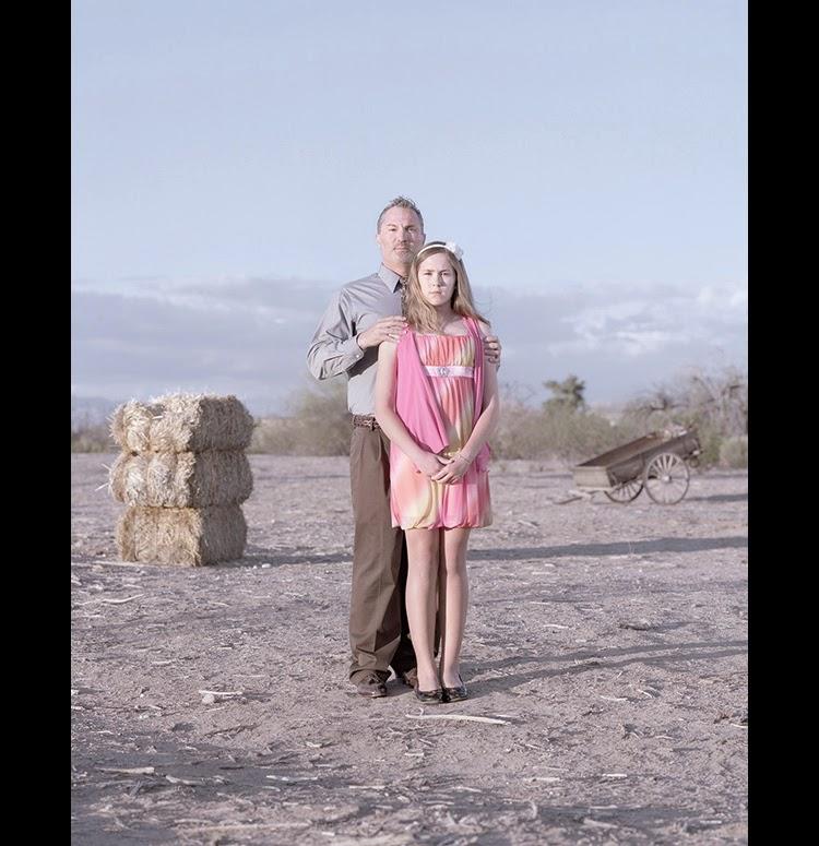 Фото как лишила невинности свою дочь