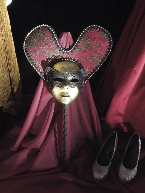 Queen of Hearts mask and shoes Once Upon a Time
