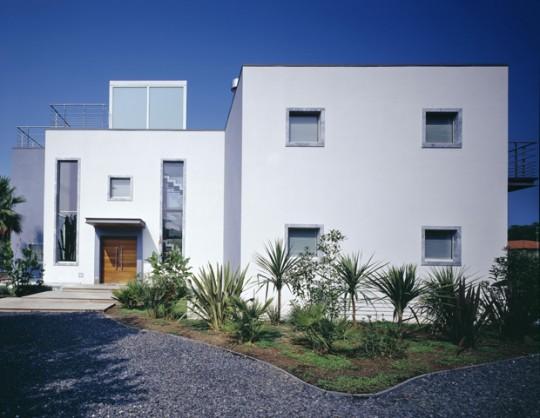 Casa moderna con piscina y vista al mar ideas para for Casa moderna milano
