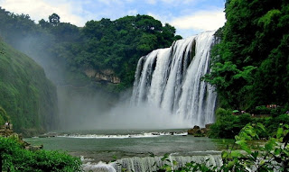 Whole View of Huangguoshu Waterfall, enjoy it when you take a China travel tour to Guizhou.