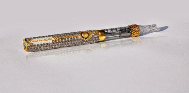 ROKOK elektronik berhias berlian dan pelbagai permata mahal dipesan seorang ahli perniagaan tidak dikenali.