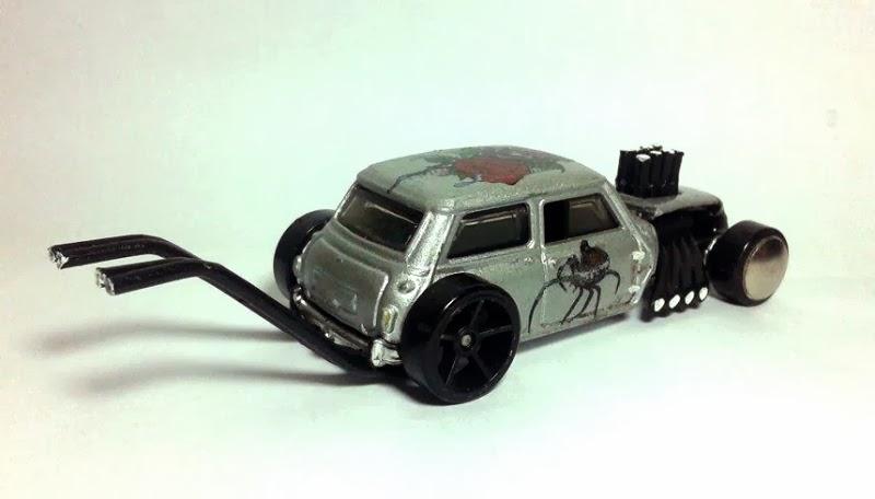 Hot Wheels Wild Customs Hot Rod Mini Cooper Bone Cooper Latroca