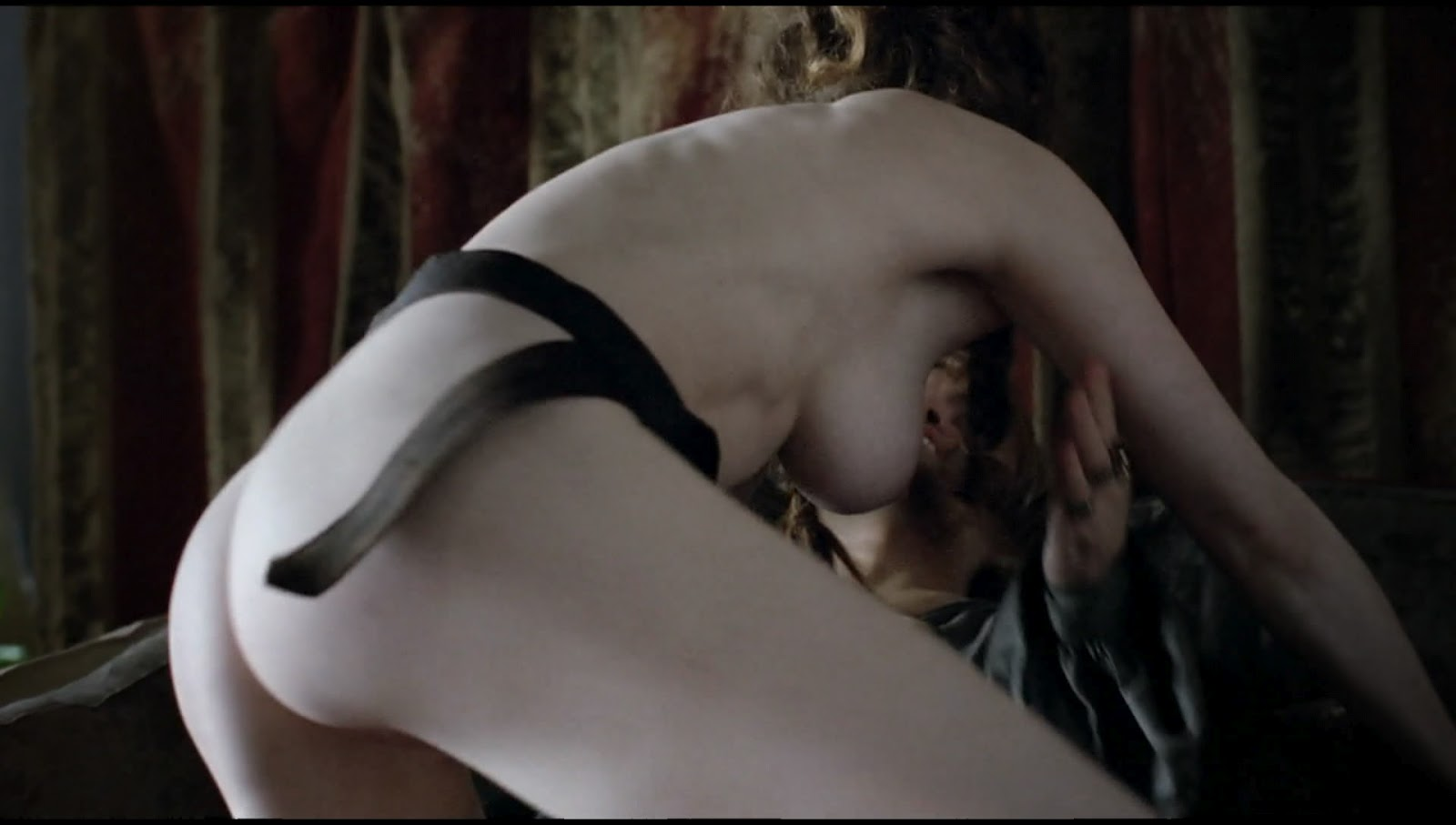 Game Of Thrones Esme Bianco Nude
