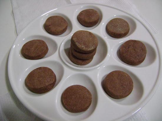 amanteigados de chocolate , puros , leves e saborosos