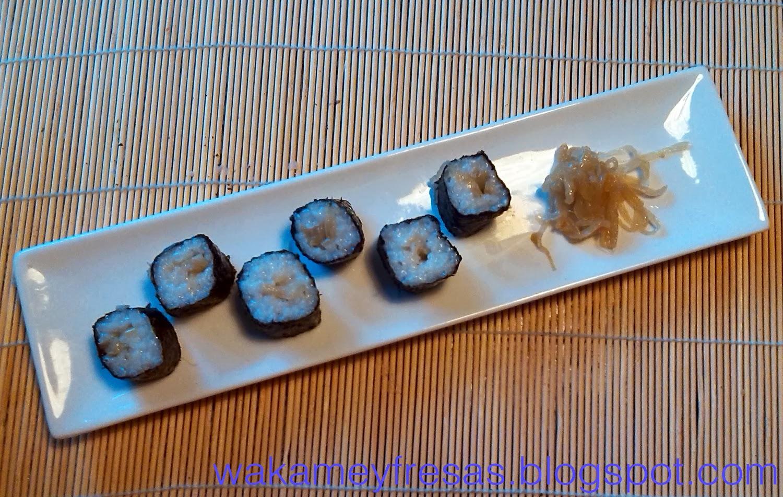 presentación del hosomaki de cebolla pochada