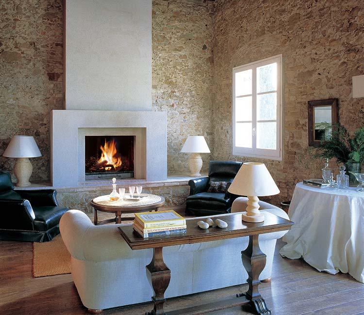 Pmosq al calor de la chimenea for Decoracion de chimeneas en salones