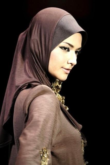 Muslim Abaya Trends 2012