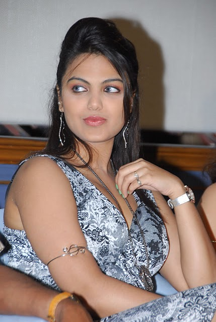 Actress Priyanka Tiwari Hot Image Latest Photo Stills glamour images