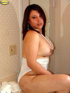 Sexy bitches - rs-roxi4024-762011.jpg