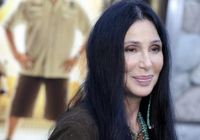 Cher pidió a Gran Bretaña reconocer el genocidio armenio.