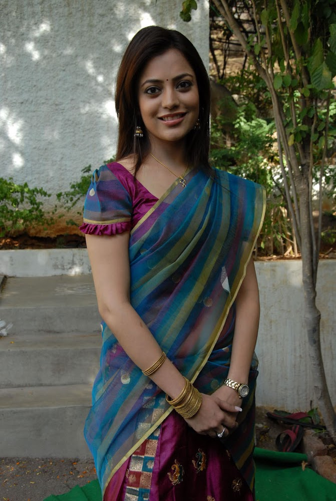 Actress Kajal Agarwal Sister Nisha Agarwal Hot And Cute Sexy Navel HD Images Removing Her Blouse