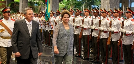 Em Cuba, Dilma não 'derrapa' à direita e prega aliança estratégica
