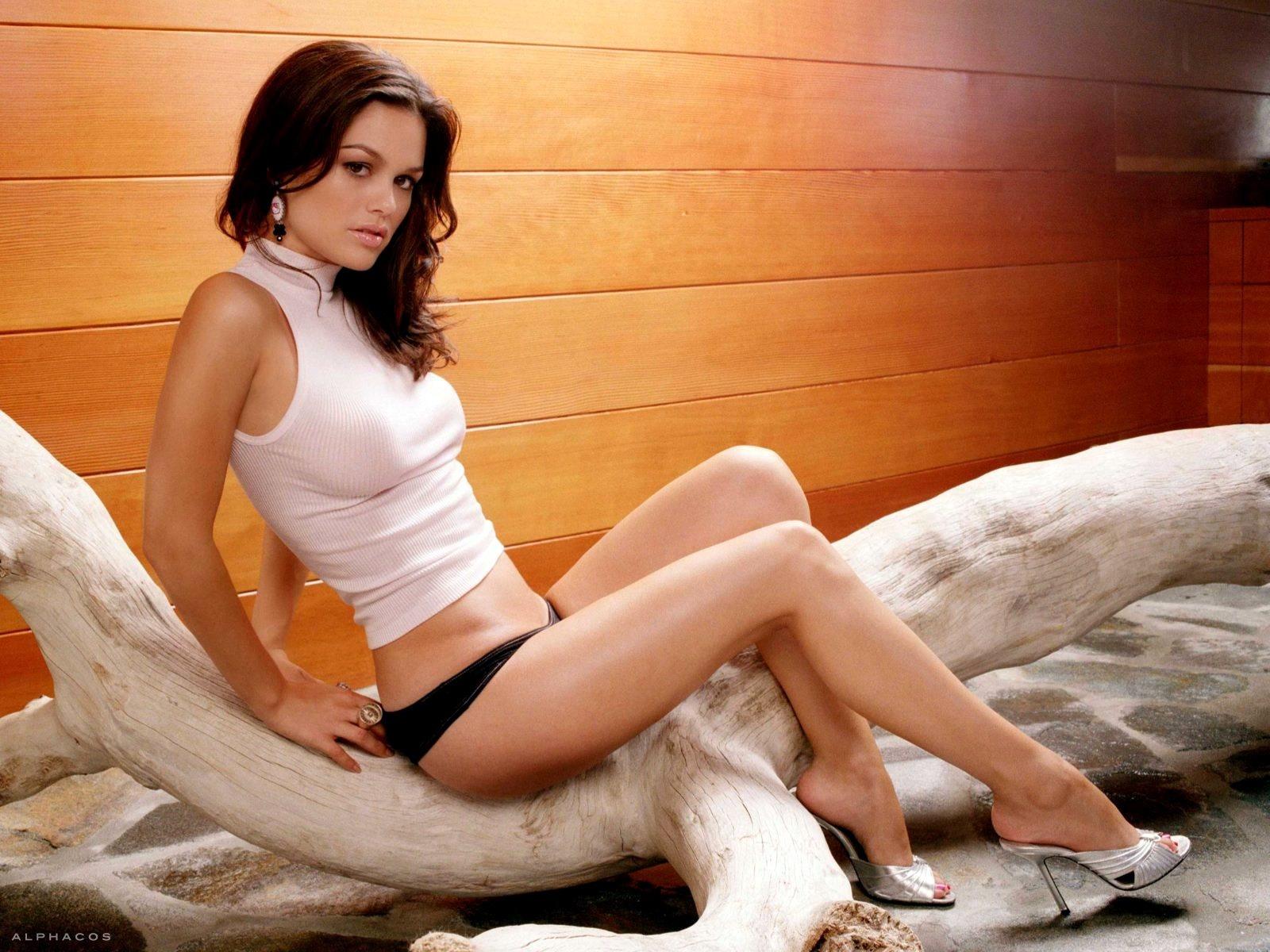 Rachel Bilson Hot Pictures