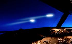 Drei Piloten berichten von vielen UFOs über Irland, an Küste von Kerry am 9. Nov 2018